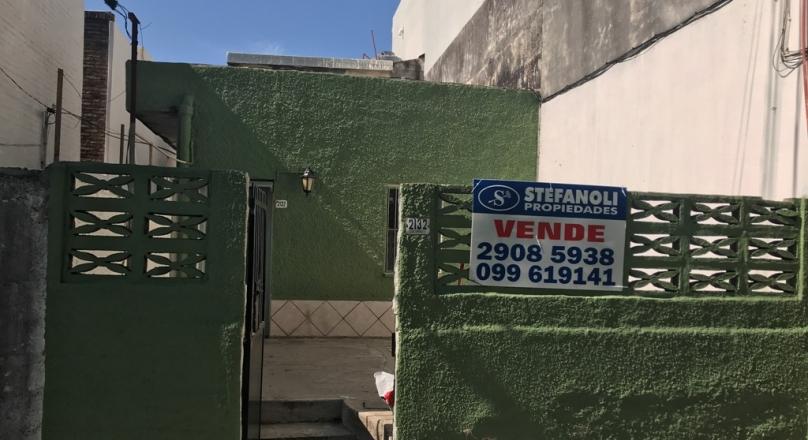 Venta casa en calle Colorado casi Garibaldi